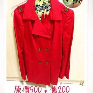 紅色排扣大衣