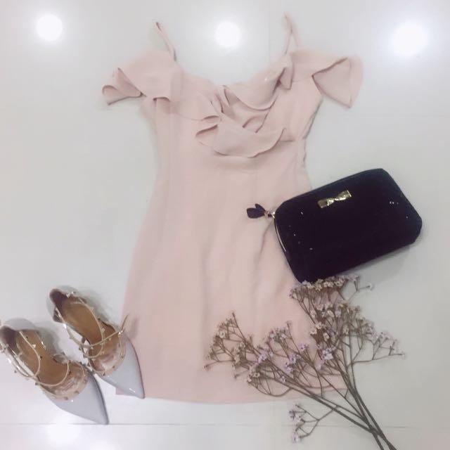 韓國荷葉邊氣質裸粉洋裝
