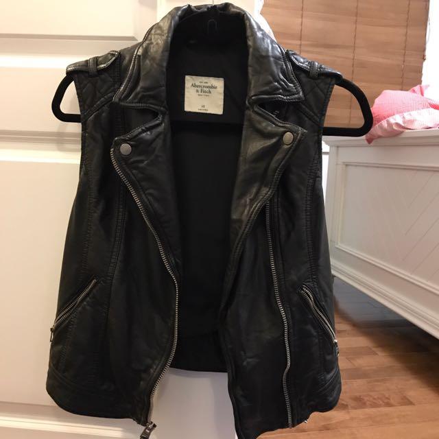 Abecrombie Vegan Leather Xs