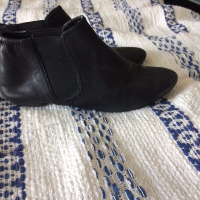 Aldo Leather Shoes - Size 6