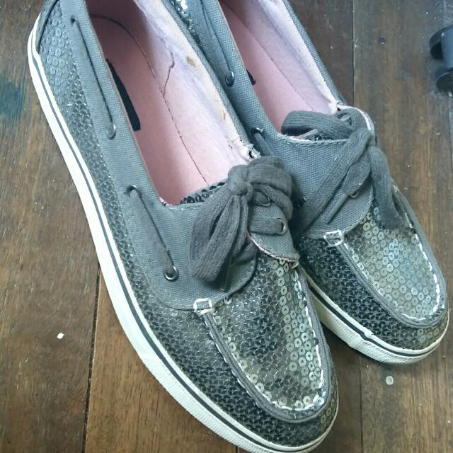 Arizona Jeans Sequined Gray Topsider US Size 9
