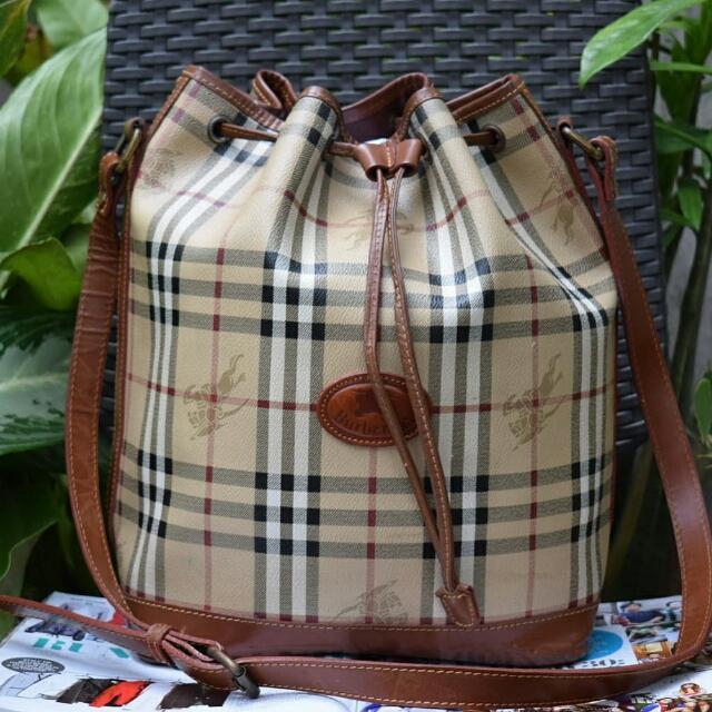7f45d56c467b Authentic Burberry Vintage Drawstring Leather Bucket Bag.
