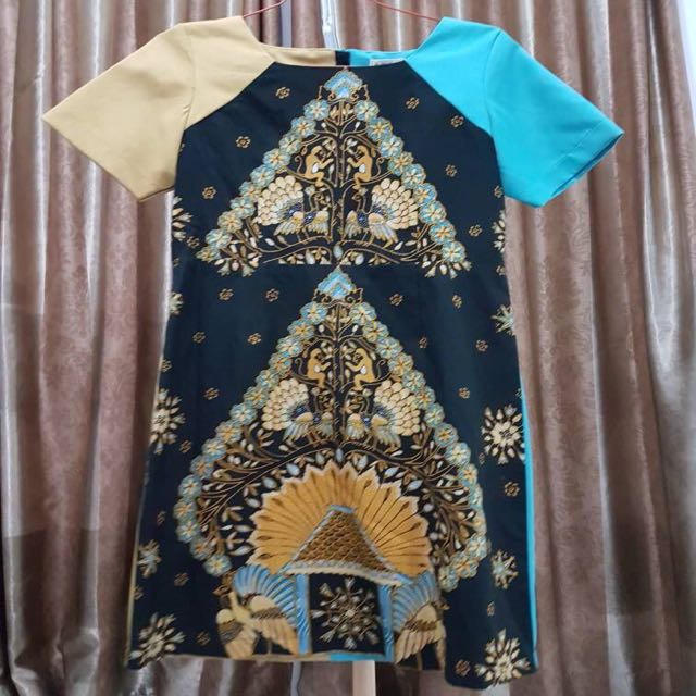 Batik Dea Valencia Biru Kuning Size L