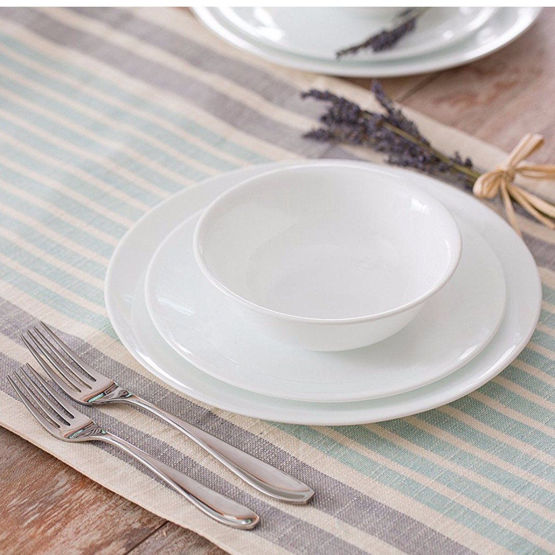 Brand New Corelle 20 Piece Livingware Dinnerware Set With Storage Lids,  Winter Frost White, Home Appliances On Carousell