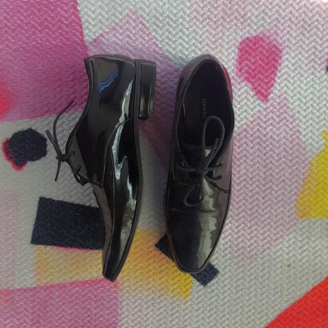 Brand New Forever 21 Glossy Men's Inspired Dress Shoes