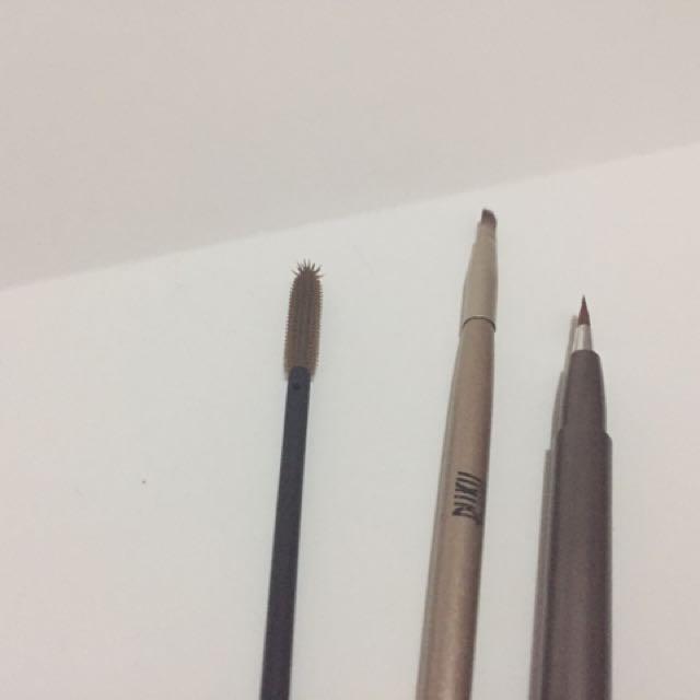 Brushes & Lip Liner