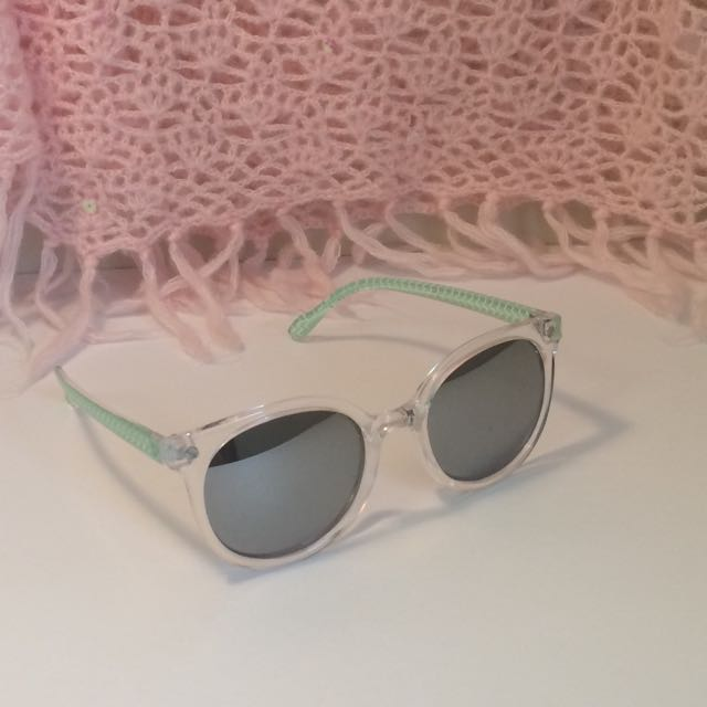 Cute Aeropostale Mint Green Sunglasses