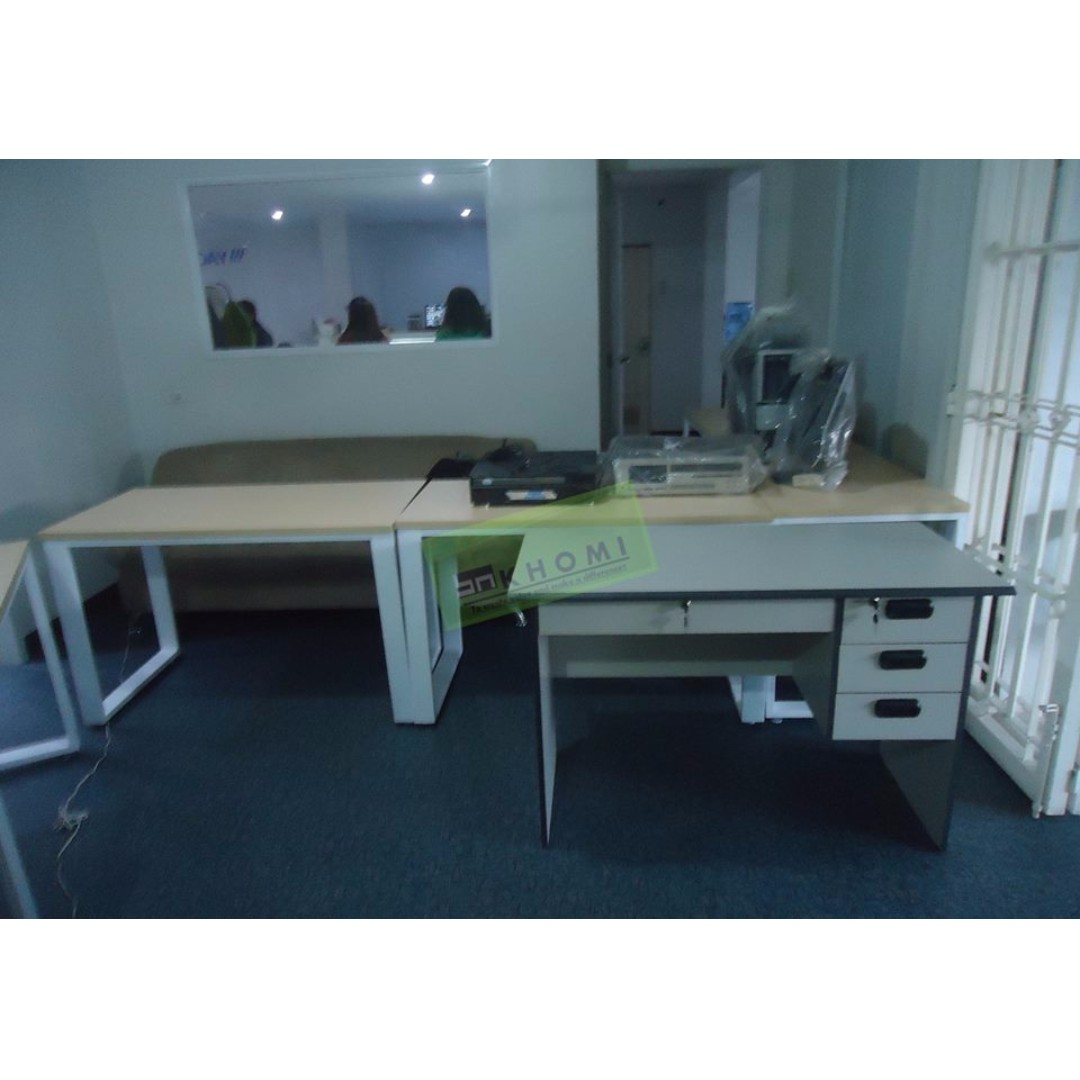 Executive Tables_Freestanding Tables_Office Partition_Office Furniture