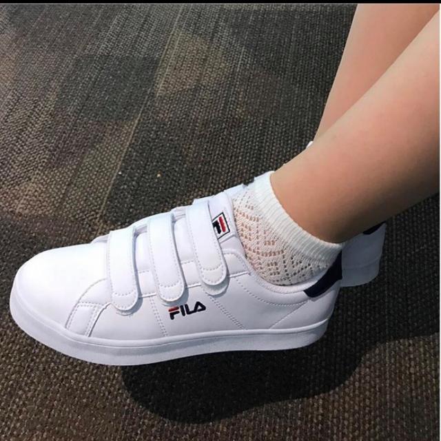 FILA 藍白魔鬼氈球鞋 23.5-24