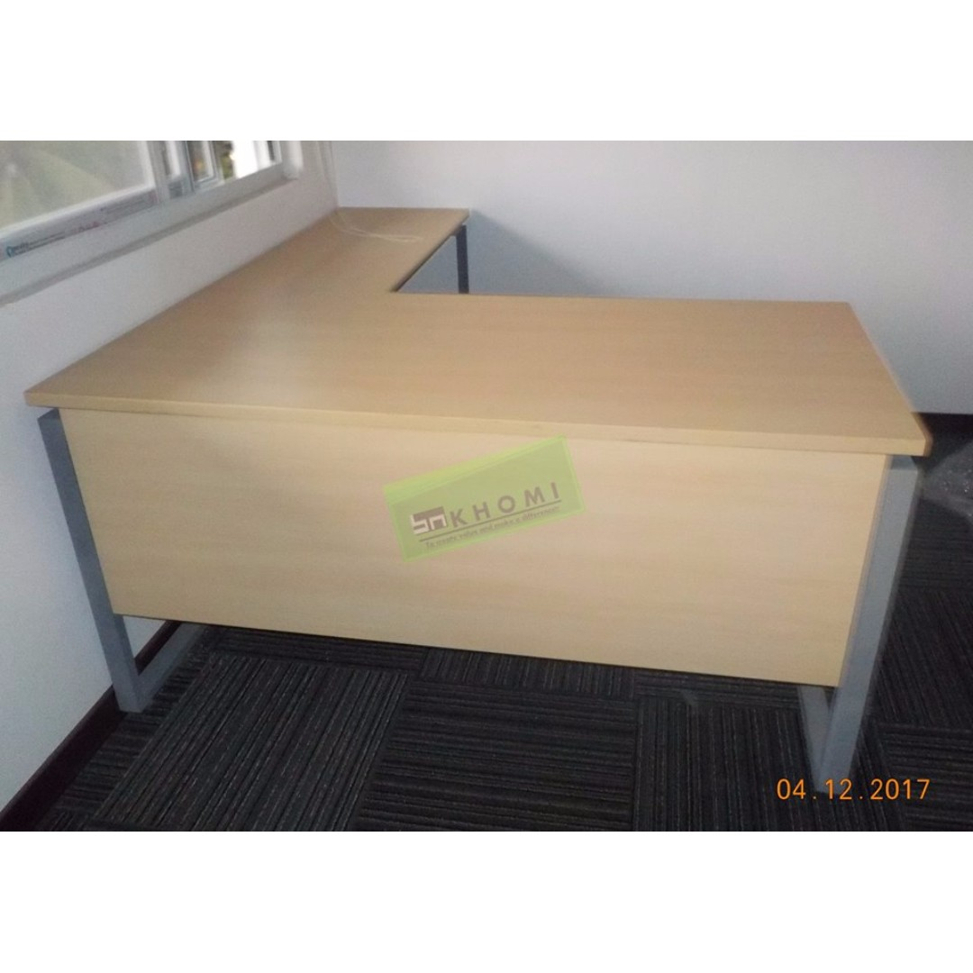 Freestanding Tables_Executive Tables_Office Partition_Office Furniture