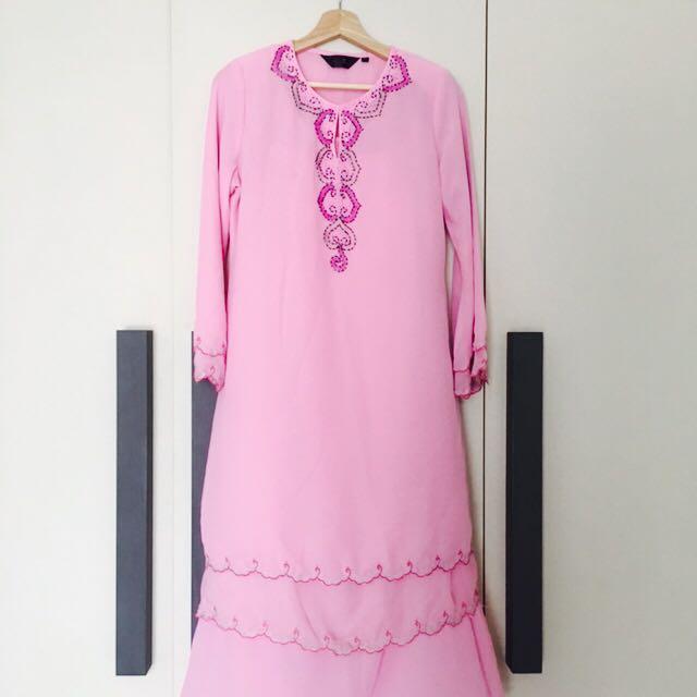 Modern Kurung In Pink