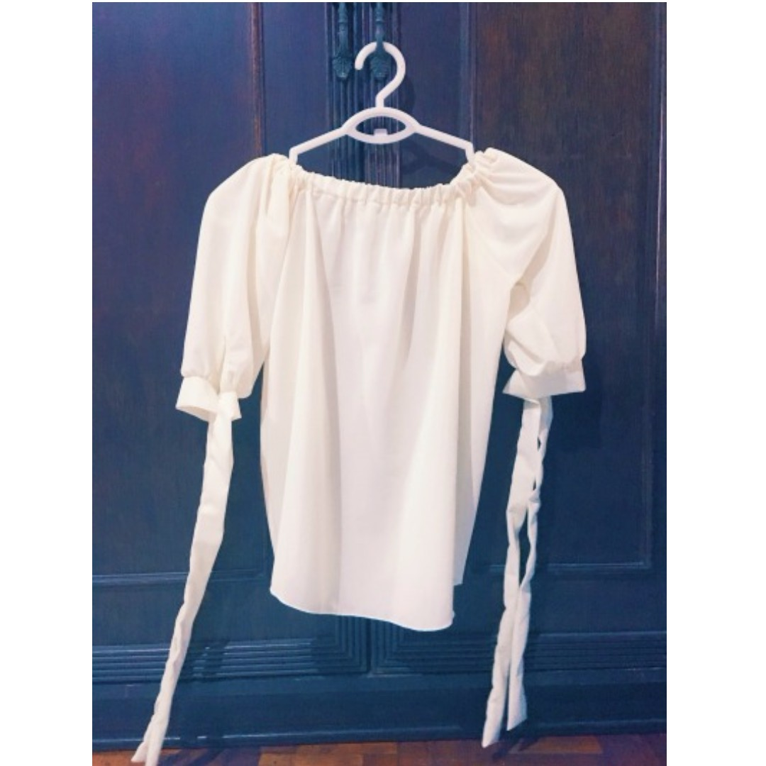 Off White Off-Shoulder Top (sheer) Size M Php 250