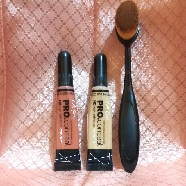 Paket (Color Corrector, Concealer & Oval Brush)