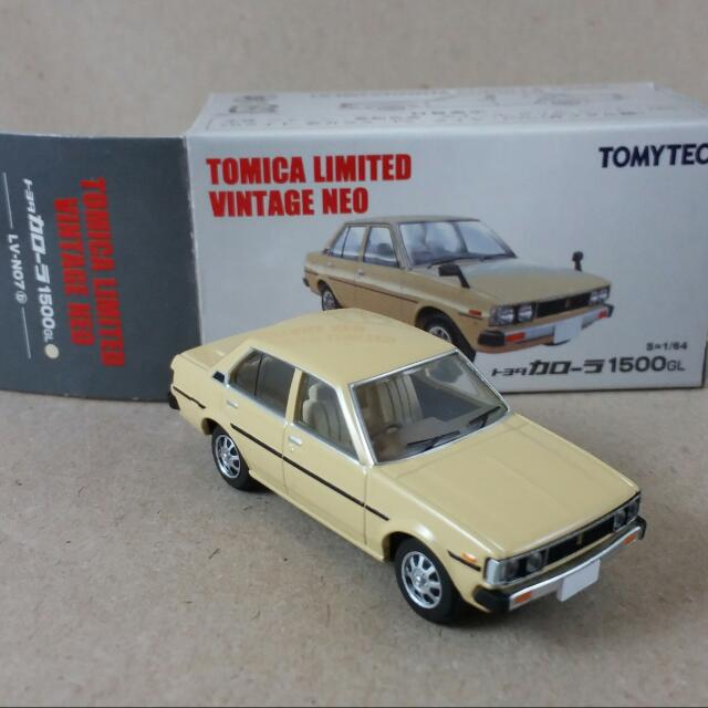 Tomica Diecast Toy Car: Toyota Corolla 1500