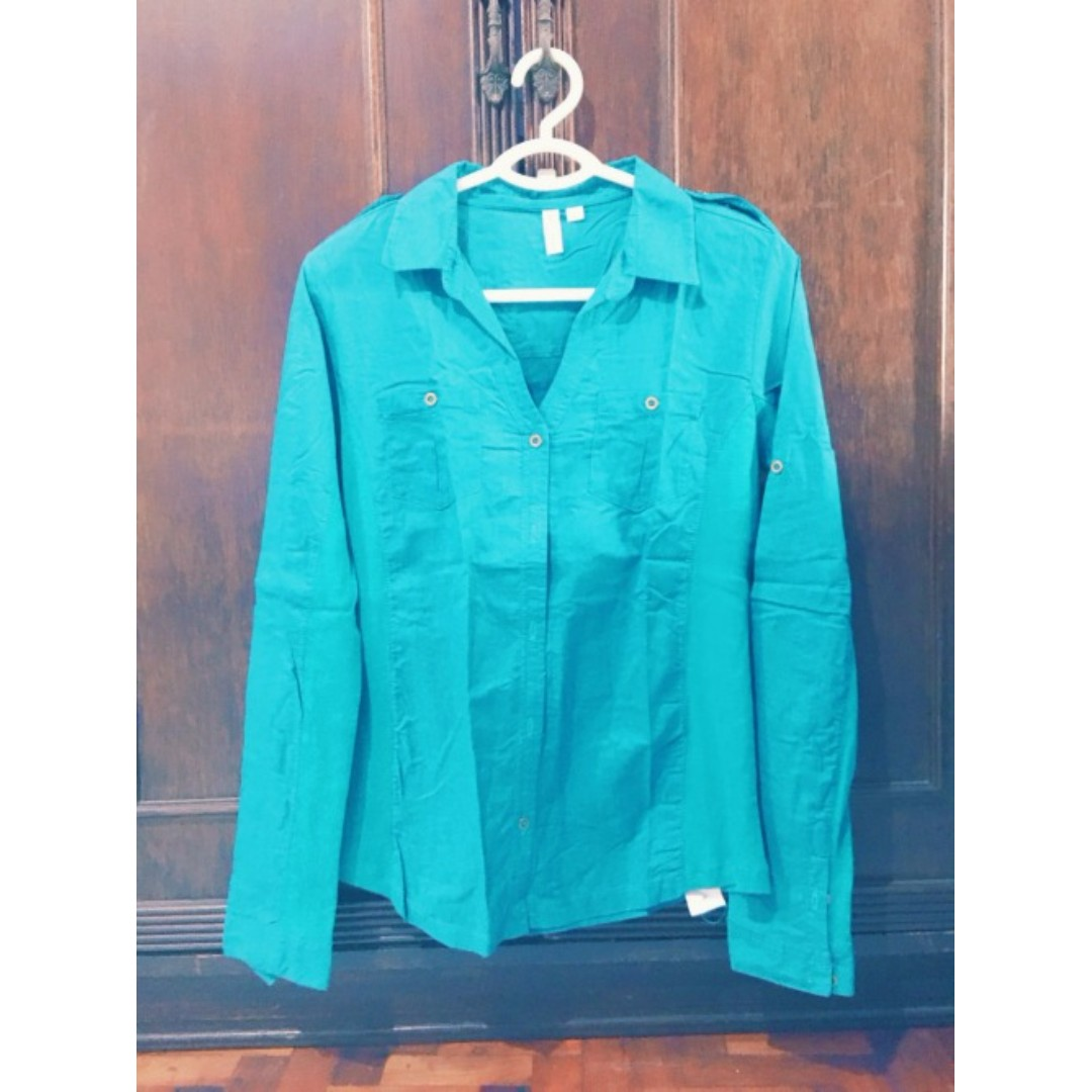 Turquoise Button Down Polo Size L Php 350