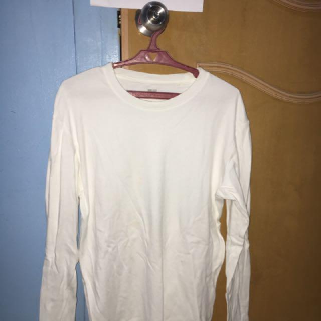 Uniqlo White Sweatshirt (Small)
