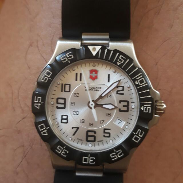 Victorinox Swiss Army Watch Serial# 241345