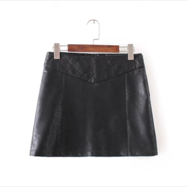 0ccc7f02399fa Zara Quilted Leather Skirt, Women's Fashion, Clothes, Pants, Jeans ...