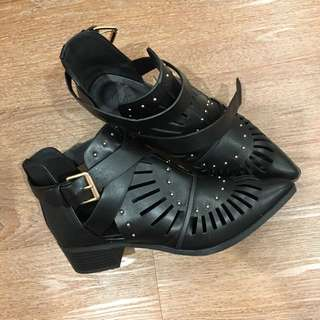 Rubi Shoes Size 39
