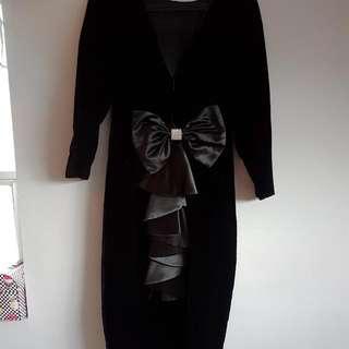 black velvet deep v back dress sz.14