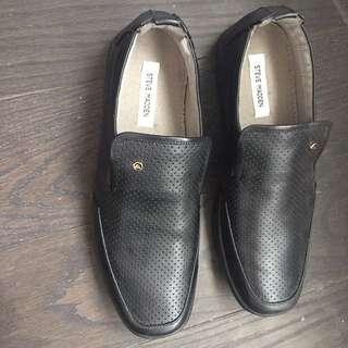 Steve Madden Black Loafers