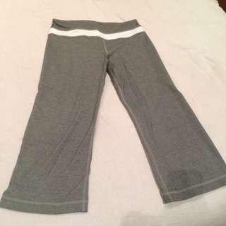 Lululemon 3/4 Size 4 Fitness Pants