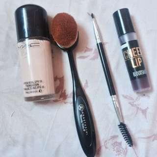 Make Ups! ❤️