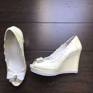 Guess Wedges Size 37