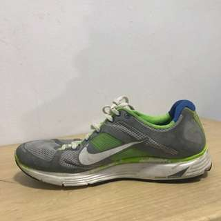 Nike Authentic Size 42