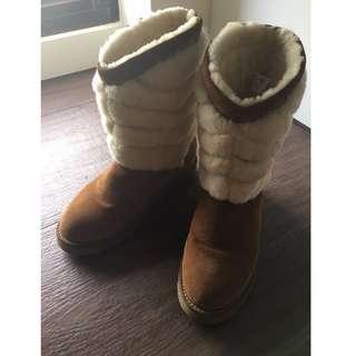UGG 羊毛雪靴