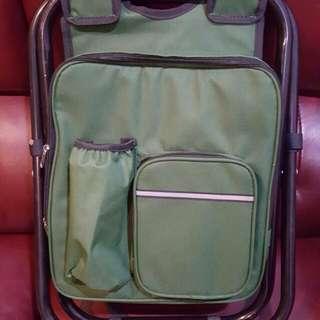 🚚 降價囉 誠可議 攜帶多功能背包椅子 (父親節禮物首選)坐捷運,火車就不怕沒位置了喔
