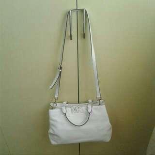 2Authentic Michael Kors Hand/sling Bag
