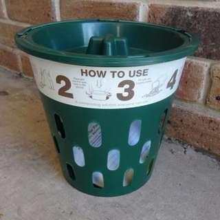 Compot: In-ground composter/ rubbish bin