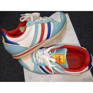 Adidas Vintage Retro Sneakers Trainers White / Blue / Red / Yellow