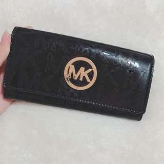 (出清降價)Michael Kors MK 二手 漆皮 黑 長夾 皮夾