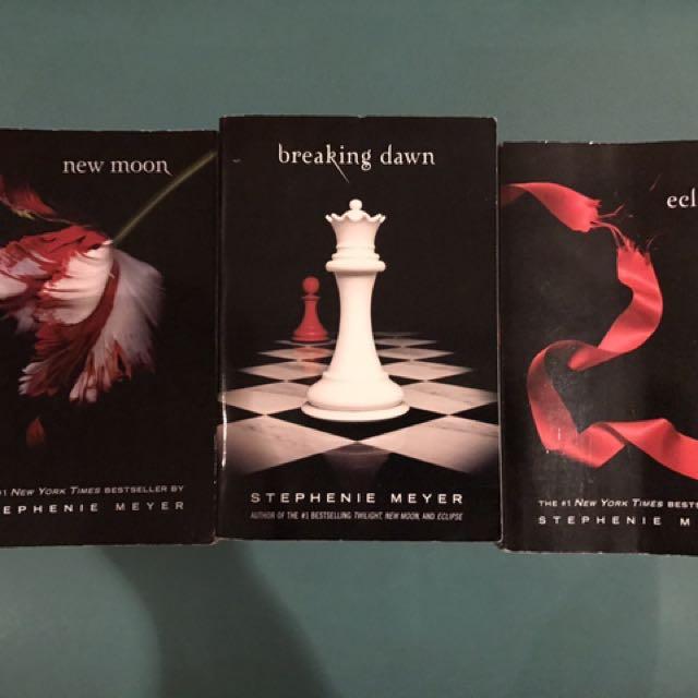 3 Twilight Saga Books