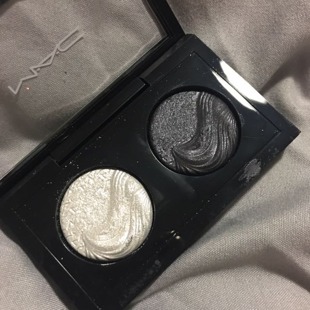 *AUTHENTIC* MAC DUO EYESHADOW COMPACT