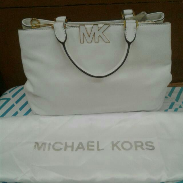 Authentic Michael Kors Hand/sling Bag