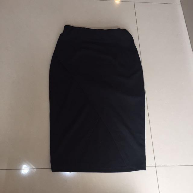 Black Skirt (pinggang Karet)