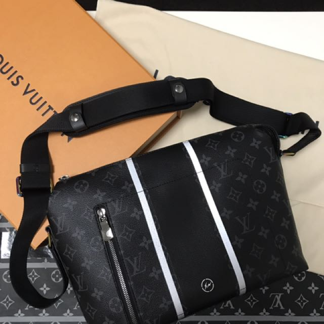 9fddf8669fb4 (GSS) LV x Fragment x Louis Vuitton Messenger PM