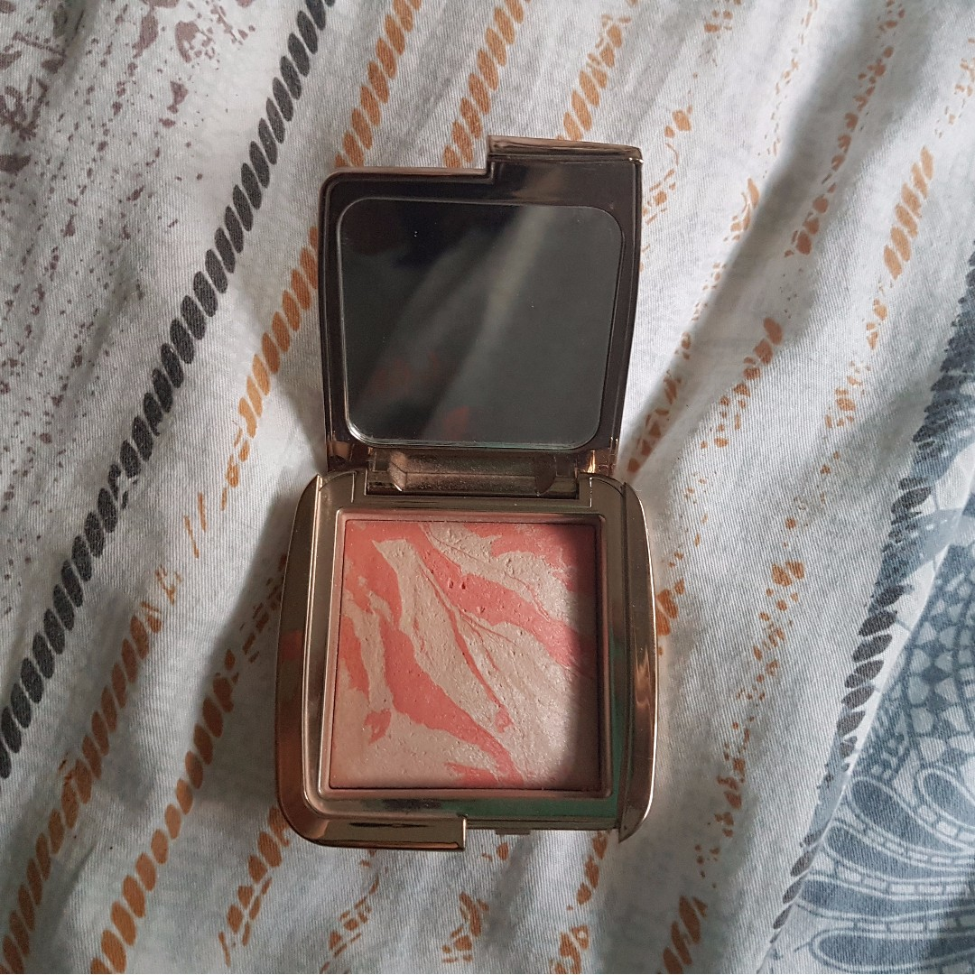 "Hourglass Ambient Lighting Blush in ""Incandescent Electra"""