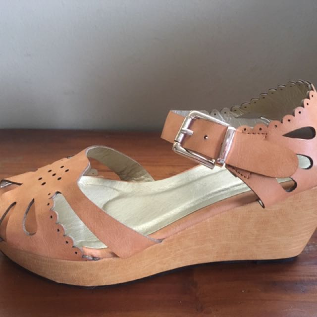 Makers Wedge Sandal Nena Blush Trendy Upper Design