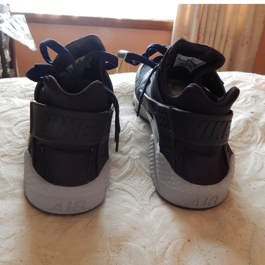 Nike Air Huarache mens shoes, size 11 US, brand new in box