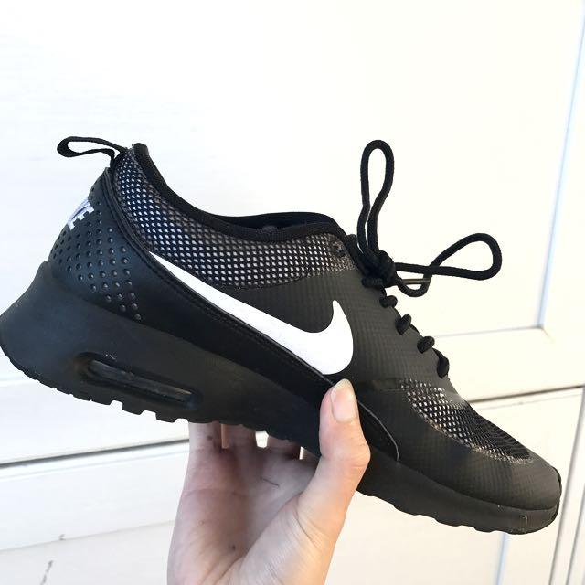 Nike Air Max Thea ALL BLACK (US 7 / EU 38)