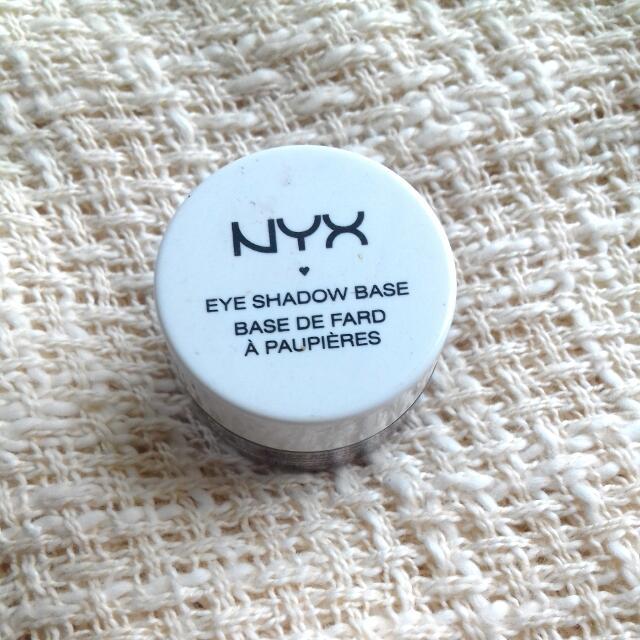 Nyx Eyeshadow Base No 3