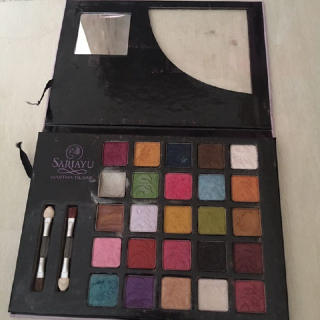 sari ayu 25 tahun eye shadow palette