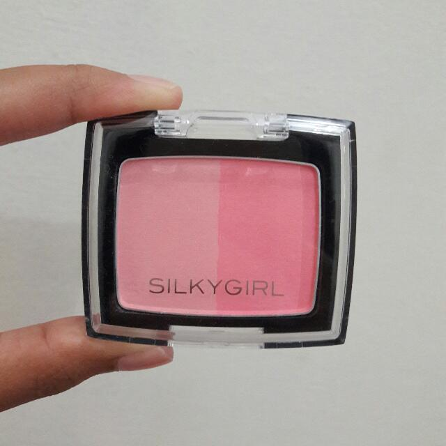 Silky Girl Blush On NEW