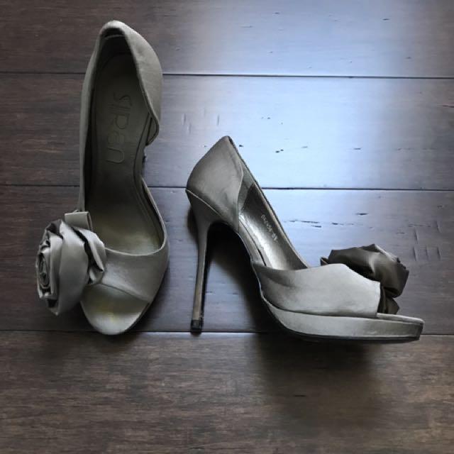 Siren Shoes Size 6 1/2