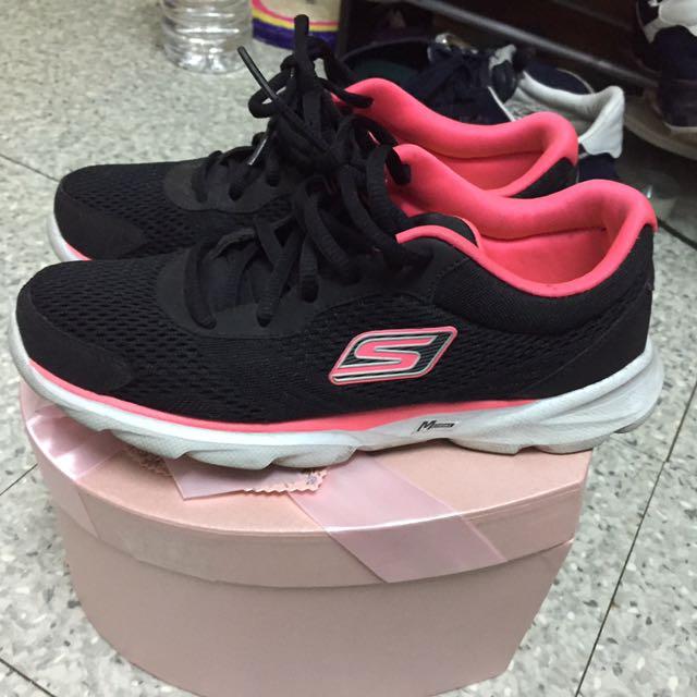 Skechers 螢光鞋
