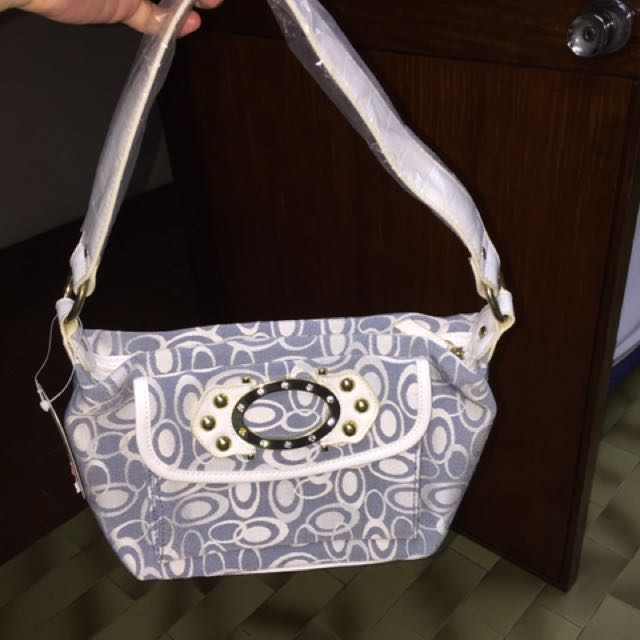 Small Handcarry And Can Be Shoulder Bag